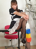 Do you love cleaning pantymoms then Cindy is the one - Milf Nylon