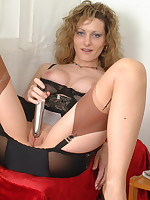 Naughty pantymom Kerry loves to play all alone - Milf Nylon